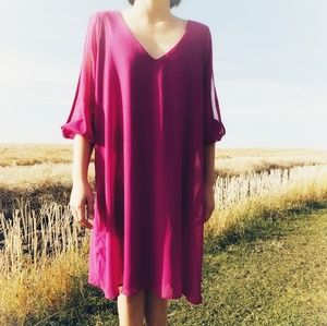 Lulu's Dress with Beautiful Poet Slit Sleeve!